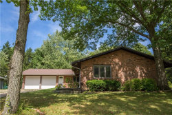 Photo of 132 North Parkview Dr, Aurora, OH 44202 (MLS # 4220229)