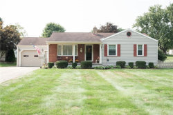 Photo of 194 Hopewell Dr, Struthers, OH 44471 (MLS # 4223929)