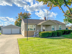 Photo of 941 Garfield St, Struthers, OH 44471 (MLS # 4230154)