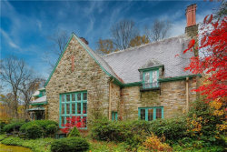 Photo of 8061 Chagrin Rd, Chagrin Falls, OH 44023 (MLS # 4236918)
