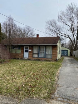 Photo of 3521 Desoto Ave, Youngstown, OH 44502 (MLS # 4238460)