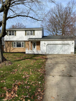 Photo of 698 Oakridge Dr, Boardman, OH 44512 (MLS # 4241503)