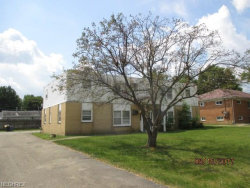 Photo of 929 Cook Ave, Unit 2, Youngstown, OH 44512 (MLS # 3990079)