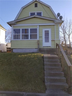 Photo of 607 Dickson St, Youngstown, OH 44502 (MLS # 4055894)
