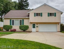 Photo of 9310 Gettysburg Dr, Twinsburg, OH 44087 (MLS # 4063396)