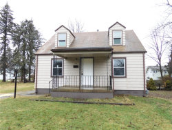 Photo of 806 Detroit Ave, Youngstown, OH 44502 (MLS # 4069611)