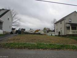 Photo of 405 Creed St, Struthers, OH 44471 (MLS # 4055243)