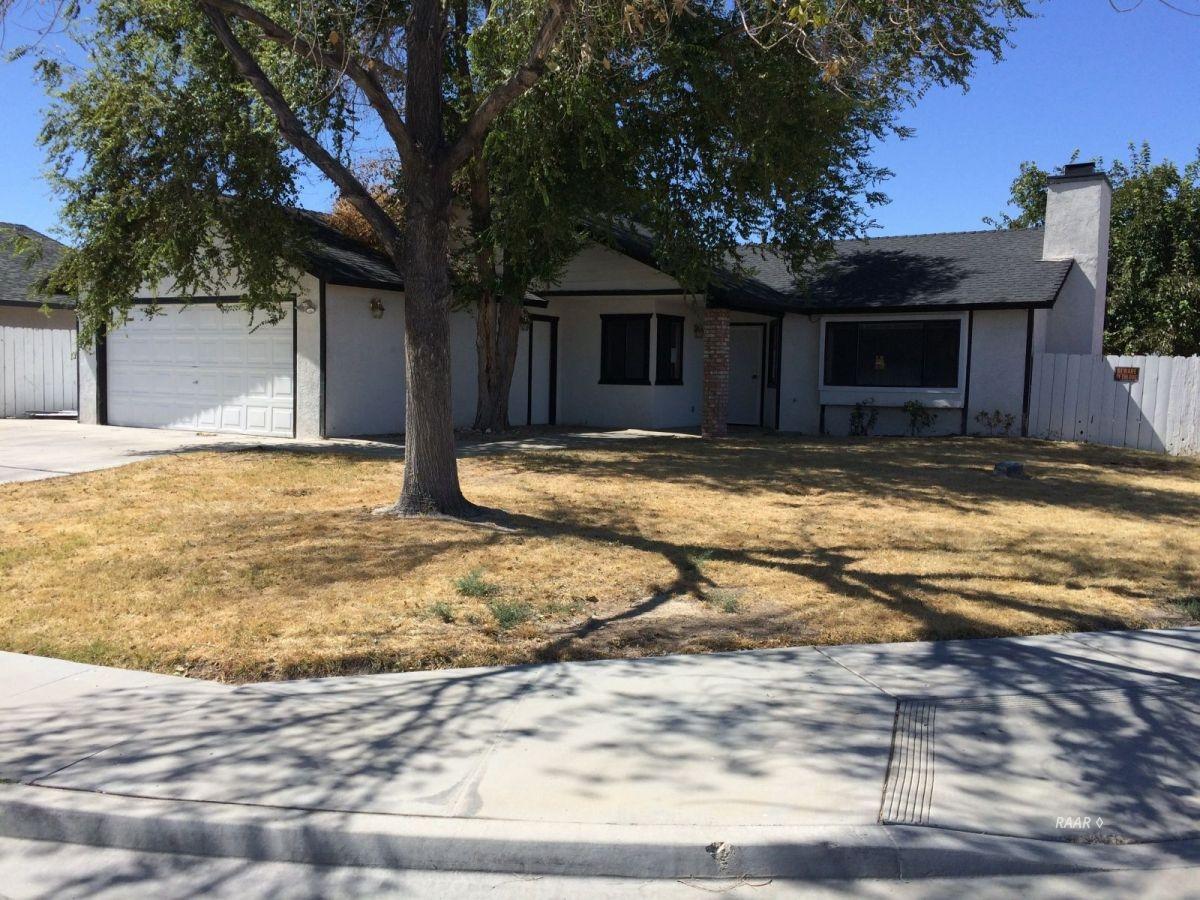 Photo for 529 S Sunset ST, Ridgecrest, CA 93555 (MLS # 1956321)