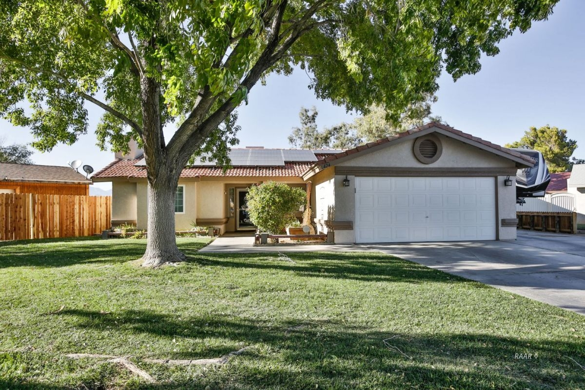 Photo for 424 Mavis CT, Ridgecrest, CA 93555 (MLS # 1956440)
