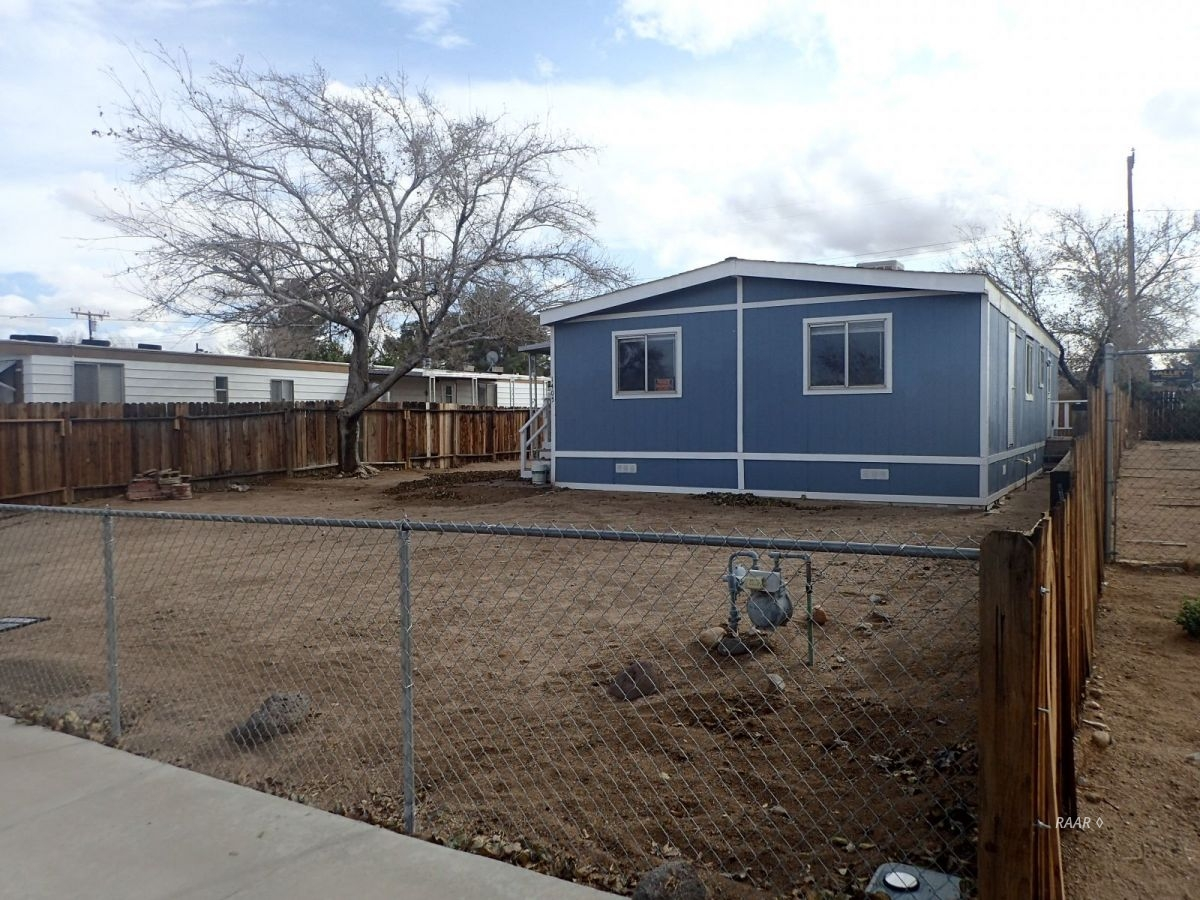 Photo for 1405 W Saint George, Ridgecrest, CA 93555 (MLS # 1956499)
