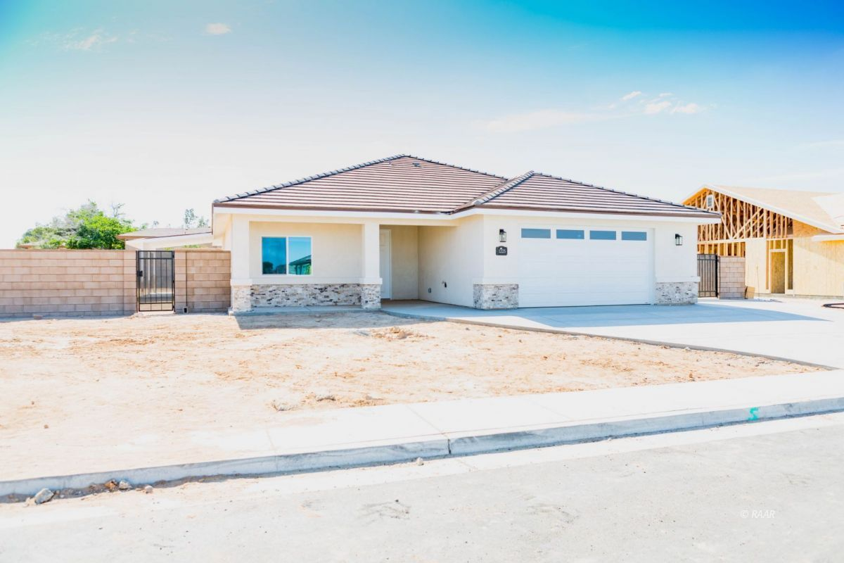 Photo for 1225 San Michele PL, Ridgecrest, CA 93555 (MLS # 1956699)