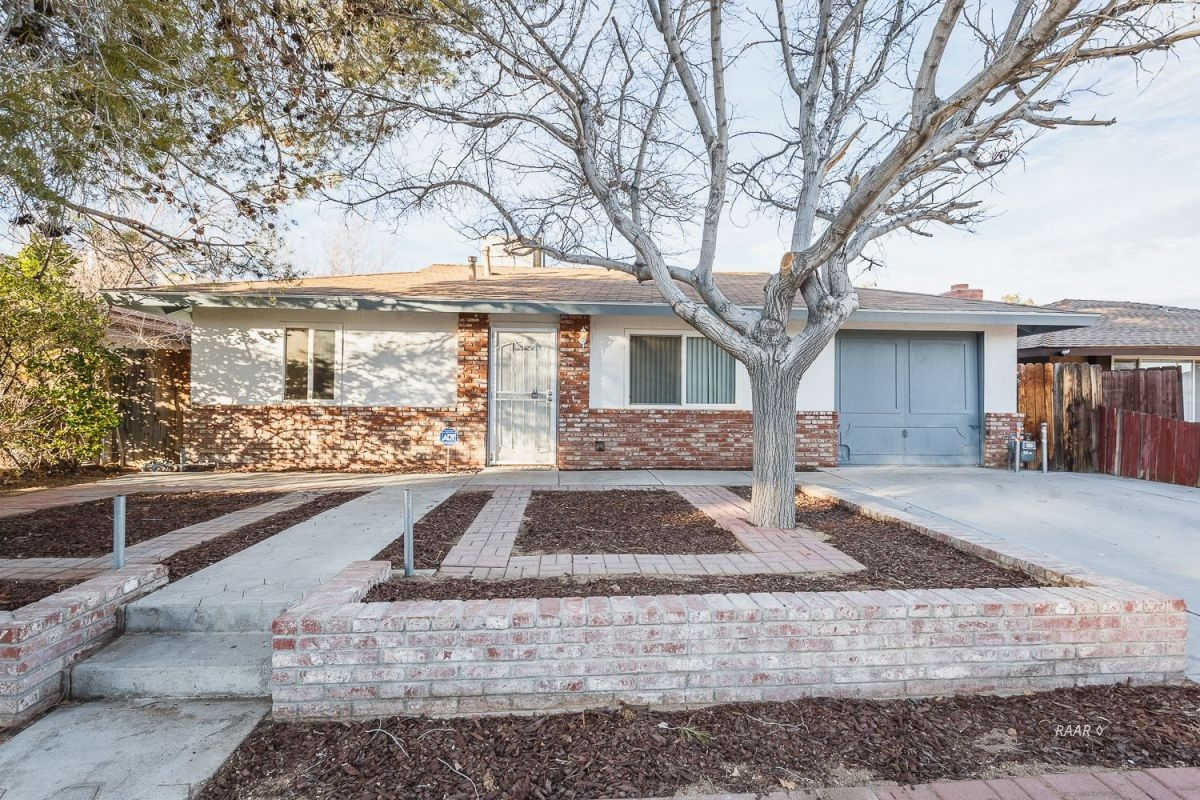 Photo for 640 W Sydnor AVE, Ridgecrest, CA 93555 (MLS # 1956738)