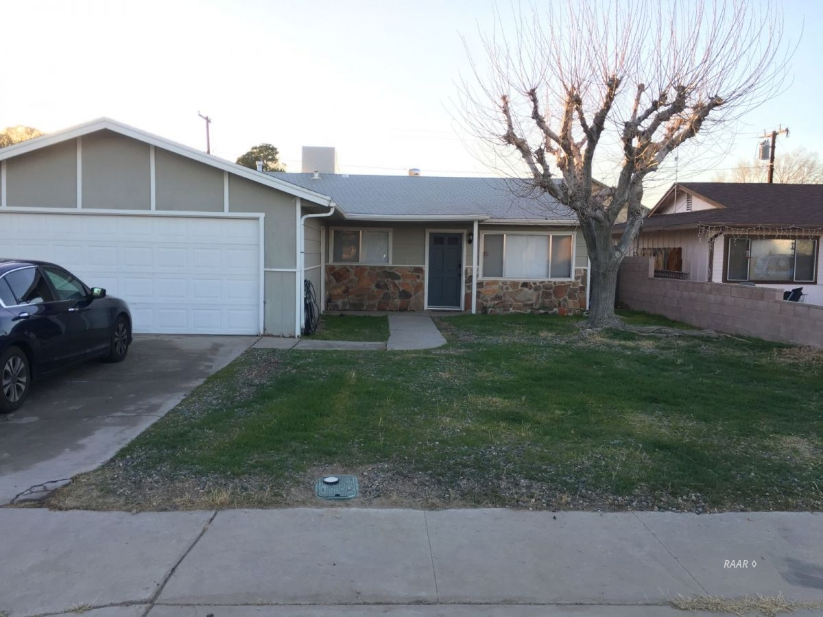 Photo for 209 S American ST, Ridgecrest, CA 93555 (MLS # 1956749)