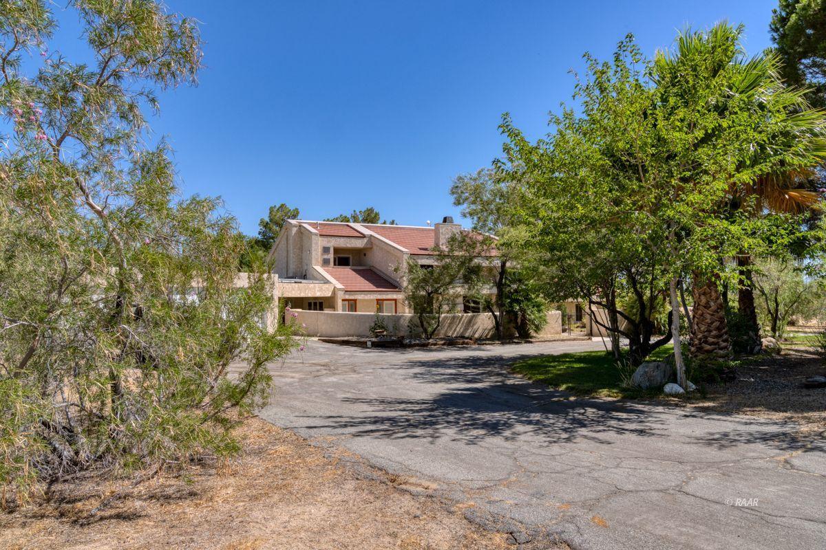Photo for 1446 Welcome Way, Ridgecrest, CA 93555 (MLS # 1957331)