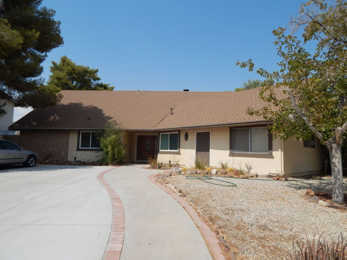 Photo for 812 Lynn Way, Ridgecrest, CA 93555 (MLS # 1957472)
