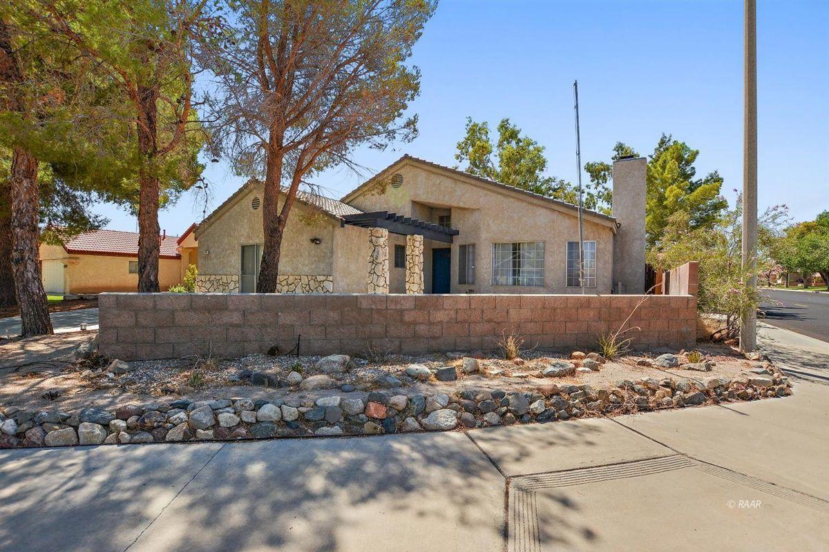 Photo for 425 Veada AVE, Ridgecrest, CA 93555 (MLS # 1957481)