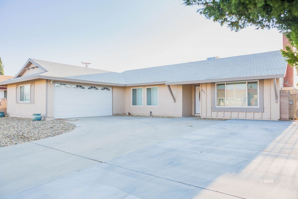 Photo for 531 S Sanders ST, Ridgecrest, CA 93555 (MLS # 1957508)
