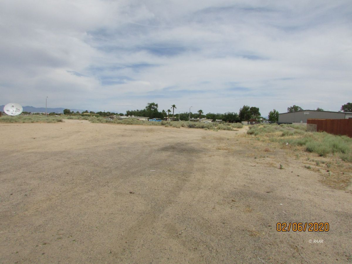 Photo for E Ridgecrest BLVD, Ridgecrest, CA 93555 (MLS # 1957155)