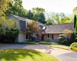 Photo of 49 Sugar Maple Dr, Newtown Square, PA 19073 (MLS # 7063612)