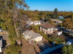 Photo of 436 Burgoyne ST, MOUNTAIN VIEW, CA 94043 (MLS # ML81727575)