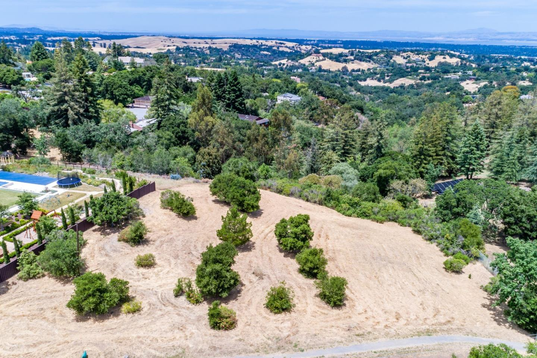 Photo for 27321 Altamont RD, LOS ALTOS HILLS, CA 94022 (MLS # ML81758283)