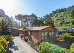 Photo of 211 Naomi AVE, PACIFICA, CA 94044 (MLS # 81667195)
