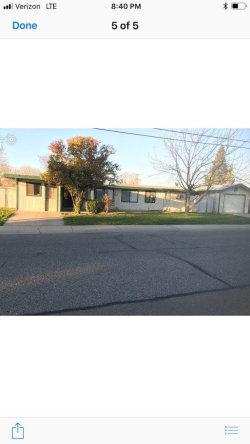 Photo of 903 Trinity ST, MANTECA, CA 95336 (MLS # ML81692392)