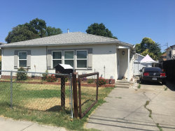 Photo of 335 E Hampton ST, STOCKTON, CA 95204 (MLS # ML81711851)