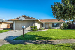 Photo of 966 Estrada CT, SALINAS, CA 93907 (MLS # ML81738427)