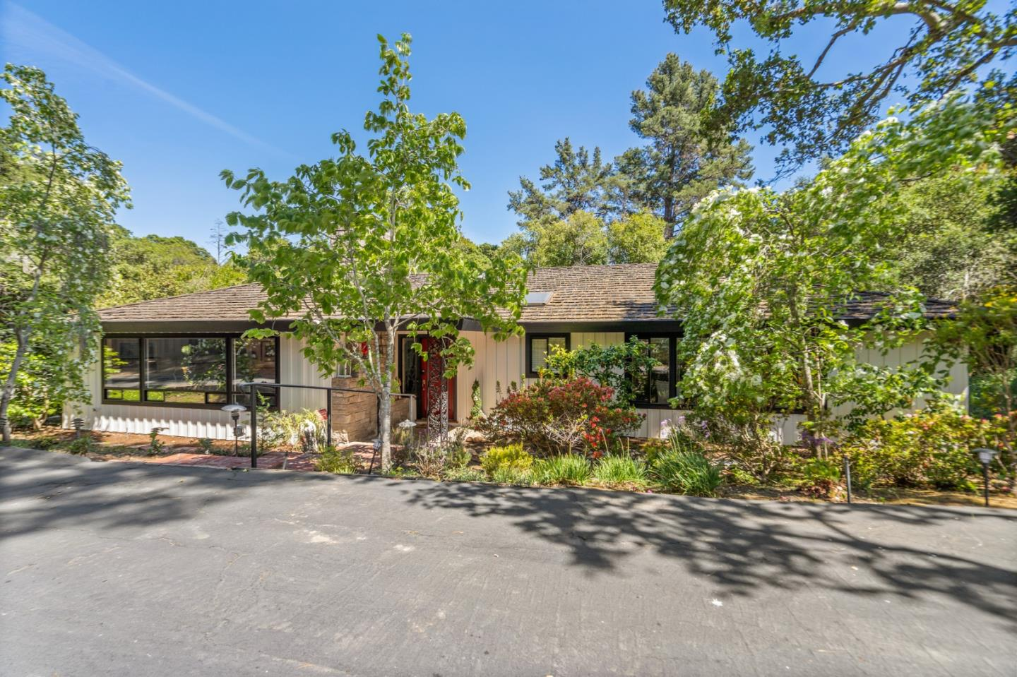 Photo for 400 Moseley RD, HILLSBOROUGH, CA 94010 (MLS # ML81791967)