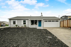 Photo of 247 Avalon DR, PACIFICA, CA 94044 (MLS # ML81792658)
