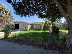 Photo of 2878 Fordham ST, EAST PALO ALTO, CA 94303 (MLS # ML81819021)