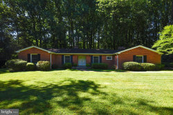 Photo of 2025 Post ROAD, Vienna, VA 22181 (MLS # 1001937314)