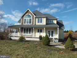 Photo of 6165 Acorn DRIVE, Spring Grove, PA 17362 (MLS # 1000096872)