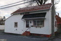 Photo of 139 W Chestnut STREET, Manheim, PA 17545 (MLS # 1000249634)
