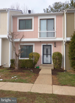 Photo of 20 Sugarland Square COURT, Sterling, VA 20164 (MLS # 1000297770)