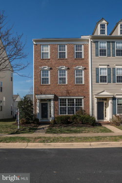 Photo of 42808 Cedar Hedge STREET, Chantilly, VA 20152 (MLS # 1000298362)