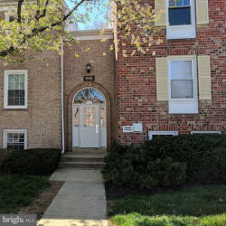 Photo of 818 Quince Orchard BOULEVARD, Unit OP1, Gaithersburg, MD 20878 (MLS # 1000429162)