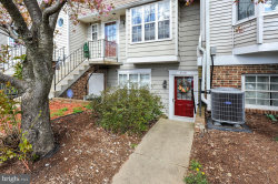 Photo of 4151 Dawn Valley, Unit 76F, Chantilly, VA 20151 (MLS # 1000434180)