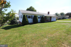 Photo of 13725 Hillside AVENUE, Thurmont, MD 21788 (MLS # 1001412273)