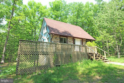 Photo of 71 Old Barn LANE, Fort Valley, VA 22652 (MLS # 1001839500)