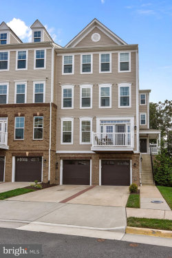 Photo of 42183 Canary Grass SQUARE, Unit 2A1, Aldie, VA 20105 (MLS # 1002261366)