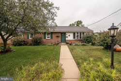Photo of 28 Springcrest DRIVE, Akron, PA 17501 (MLS # 1002587338)