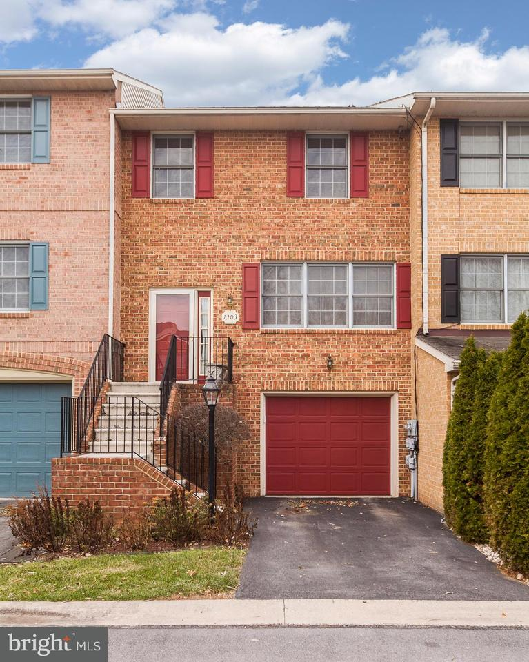 Photo for 1303 Lindsay LANE, Hagerstown, MD 21742 (MLS # 1004279705)