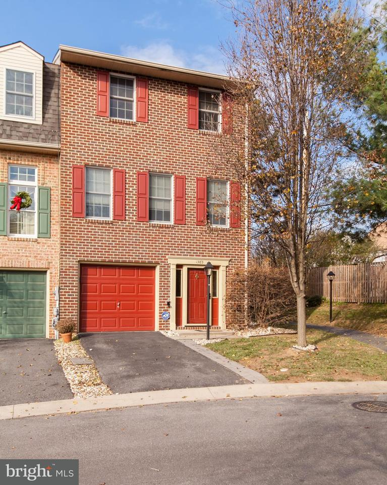 Photo for 1365 Lindsay LANE, Hagerstown, MD 21742 (MLS # 1004279811)