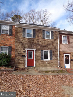 Photo of 527 Olde Greenwich CIRCLE, Fredericksburg, VA 22408 (MLS # 1004284361)