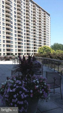 Photo of 5225 Pooks Hill ROAD, Unit 1206N, Bethesda, MD 20814 (MLS # 1004357607)