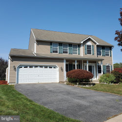 Photo of 405 Horsechestnut COURT, Mount Airy, MD 21771 (MLS # MDCR198726)