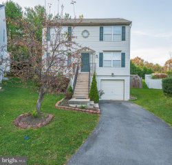 Photo of 201 Shannonbrook LANE, Frederick, MD 21702 (MLS # MDFR272748)