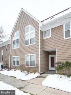 Photo of 7796 Mayfair CIRCLE, Ellicott City, MD 21043 (MLS # MDHW209530)